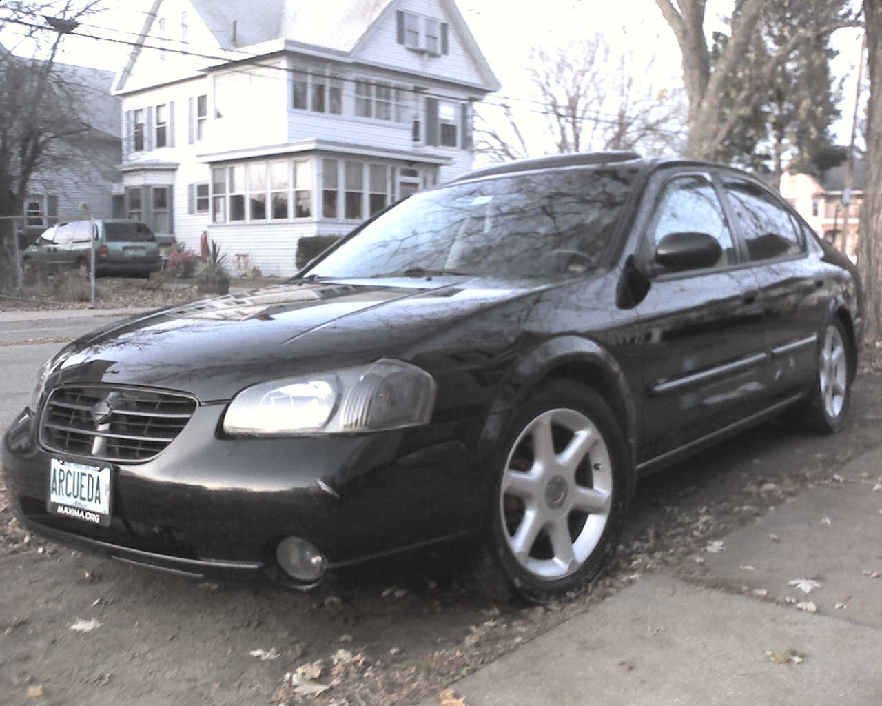 arcueda 39 s 2001 nissan maxima in rochester nh. Black Bedroom Furniture Sets. Home Design Ideas