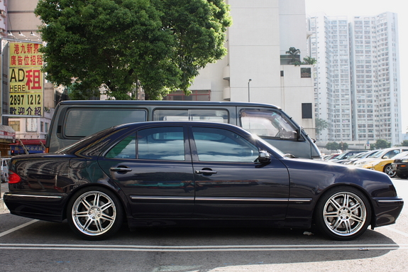 Another RevolutionTeam 2000 Mercedes-Benz E-Class post... - 11791022