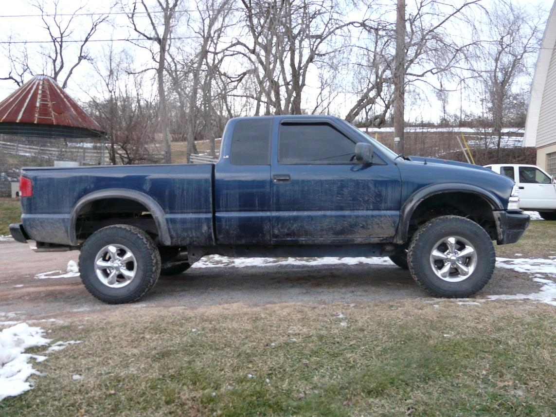 Another Tempest22 2000 Chevrolet S10 Extended Cab post