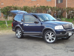 apdakings 2003 Ford Explorer