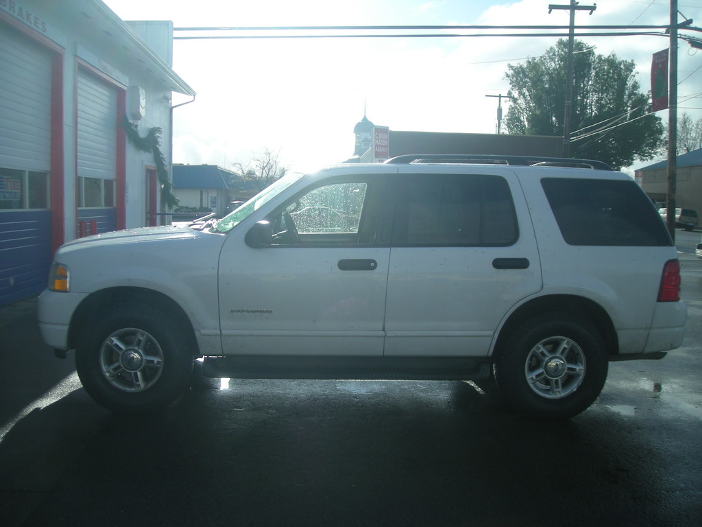 helmsa 2004 Ford Explorer 11811011