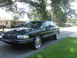 Scottie19 1995 Buick Park Avenue