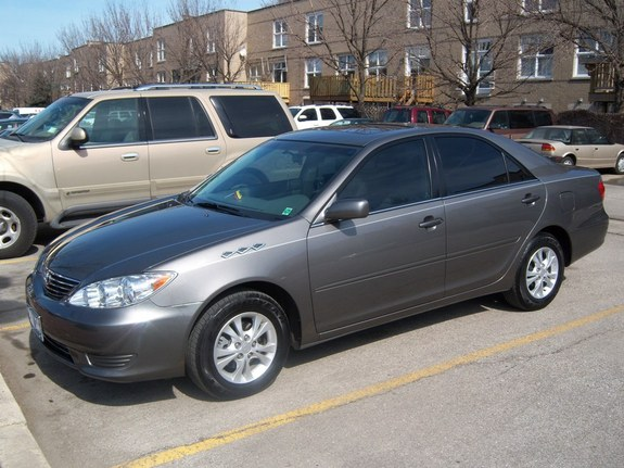 parces camry 39 s 2006 toyota camry in chicago il. Black Bedroom Furniture Sets. Home Design Ideas