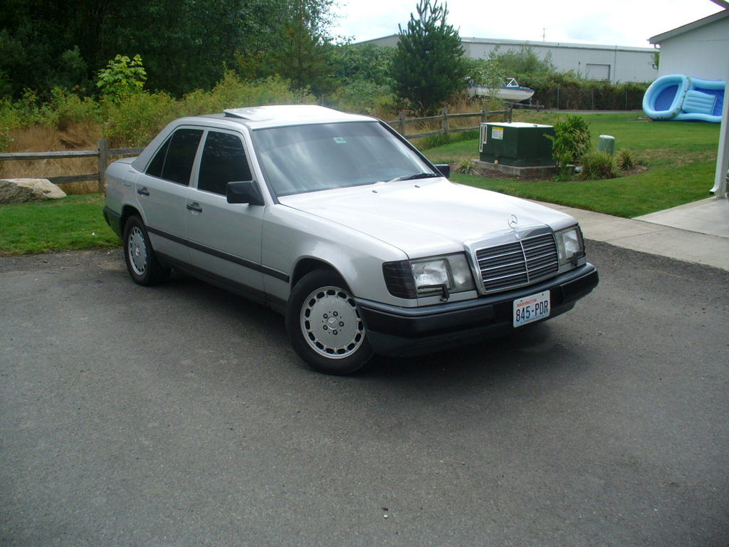 russiae300 1988 Mercedes-Benz 300E Specs, Photos, Modification Info