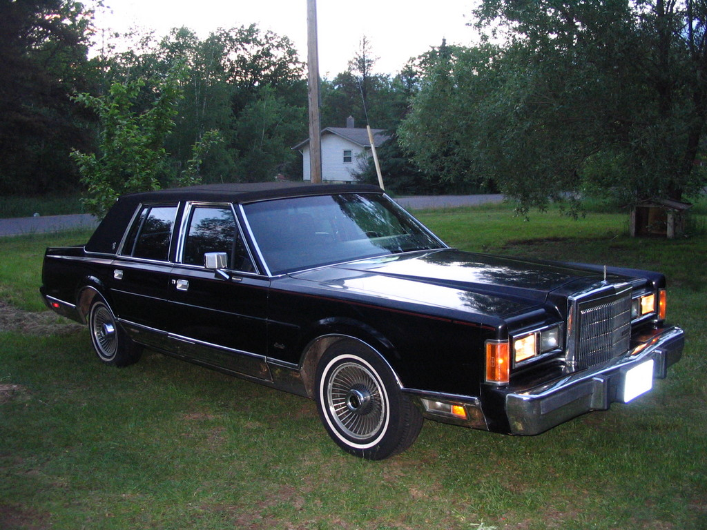 chicitylincoln 1989 lincoln town car specs photos modification info at cardomain. Black Bedroom Furniture Sets. Home Design Ideas