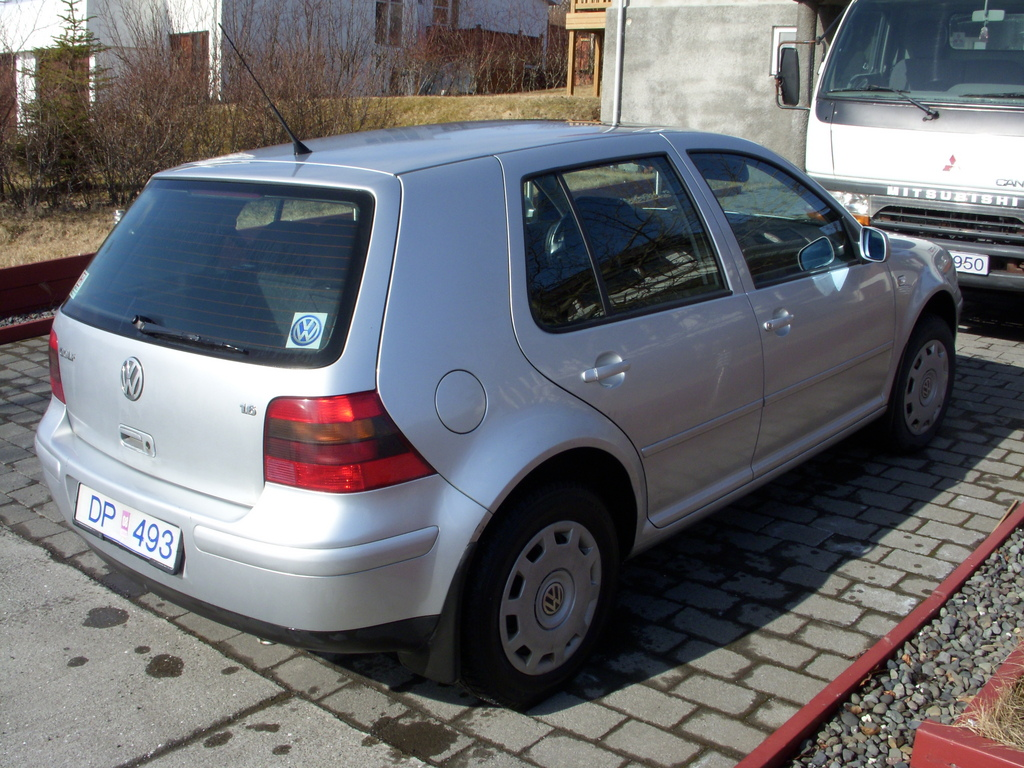 Another ZiGGijE 2001 Volkswagen Golf post... - 11884107