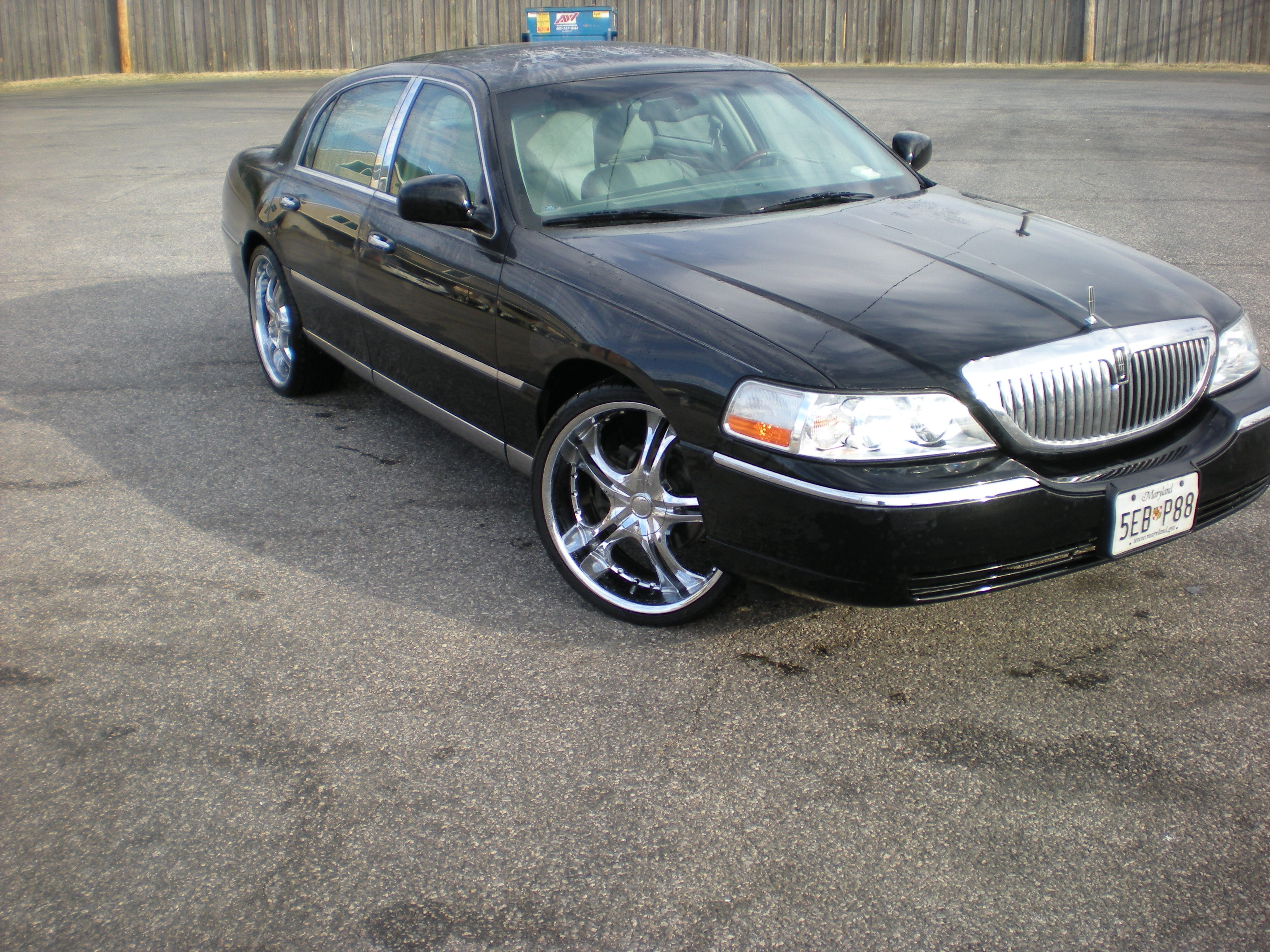 Jonnybones 2004 Lincoln Town Car Specs Photos Modification Info At