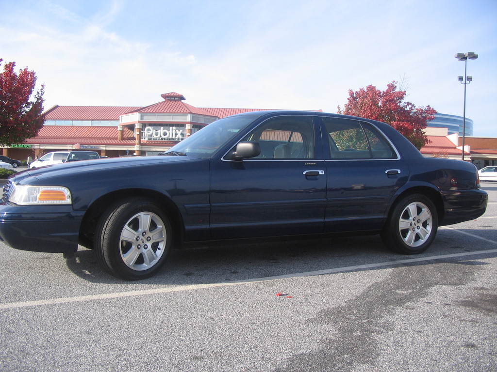 alxemcee 39 s 2003 ford crown victoria in duluth ga. Black Bedroom Furniture Sets. Home Design Ideas