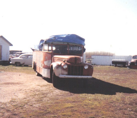 LN7_NUT 1946 Ford Cab-Chassis 9449436