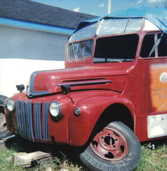 LN7_NUT 1946 Ford Cab-Chassis 9449446