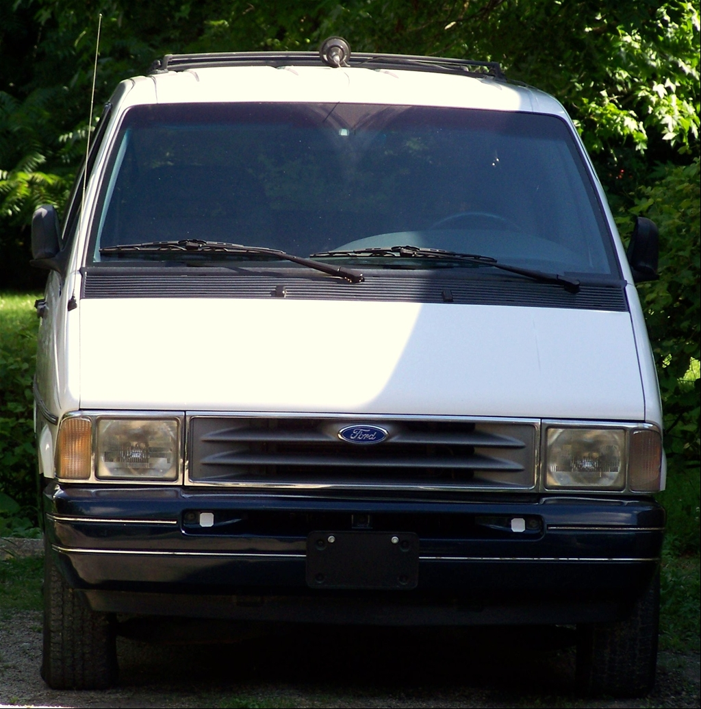 1993 Ford Aero Star http://www.cardomain.com/ride/3140049/1993-ford-aerostar/