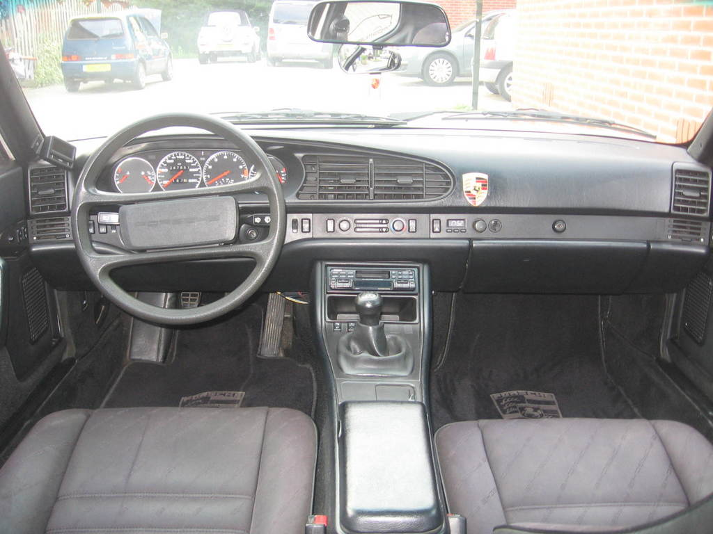 This Is How The Shape Of A 944 Interior Has To Be ;). You Canu0027t Imagine  This Is A Car Of 1986. As You Can See, No Scratches Or Disruptures At All.