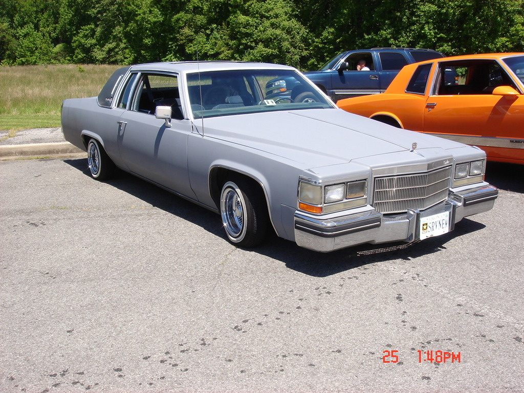 Qwill8669 1982 Cadillac DeVille 11908681