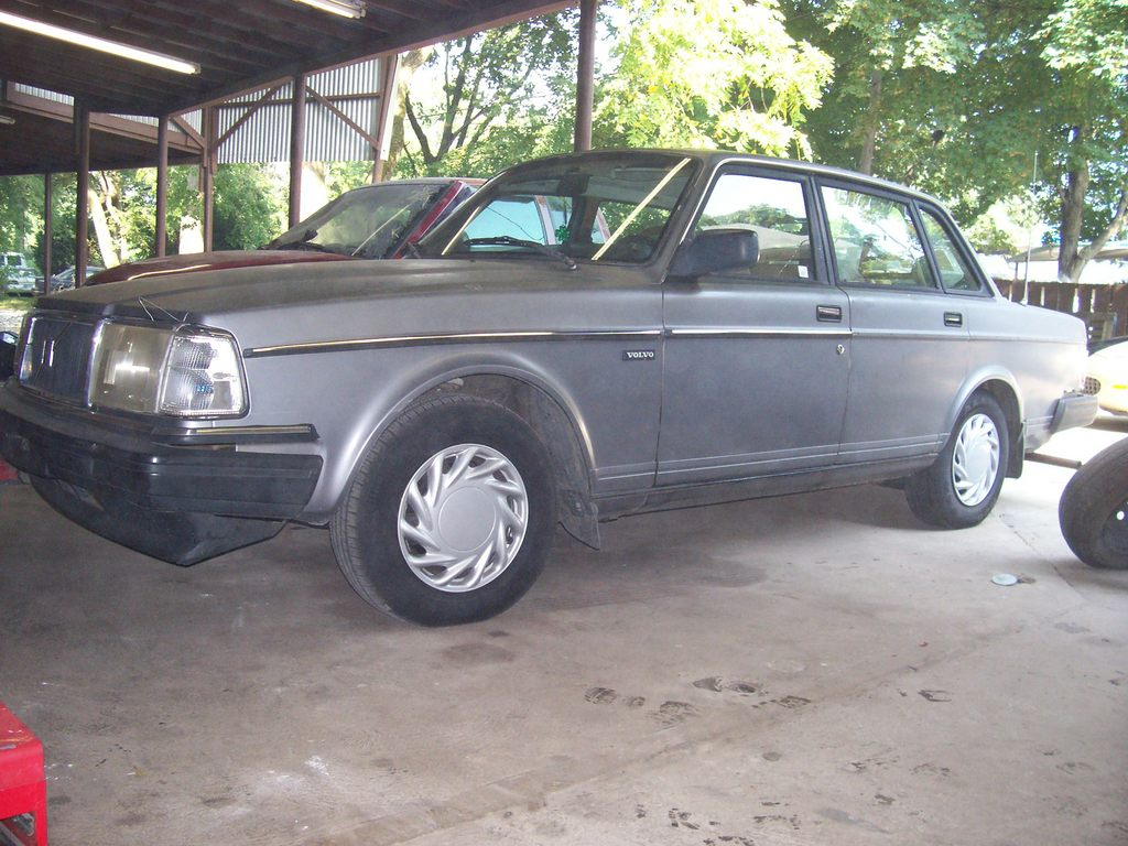 Another sweetsilvervolvo 1991 Volvo 200-Series post... - 11936305