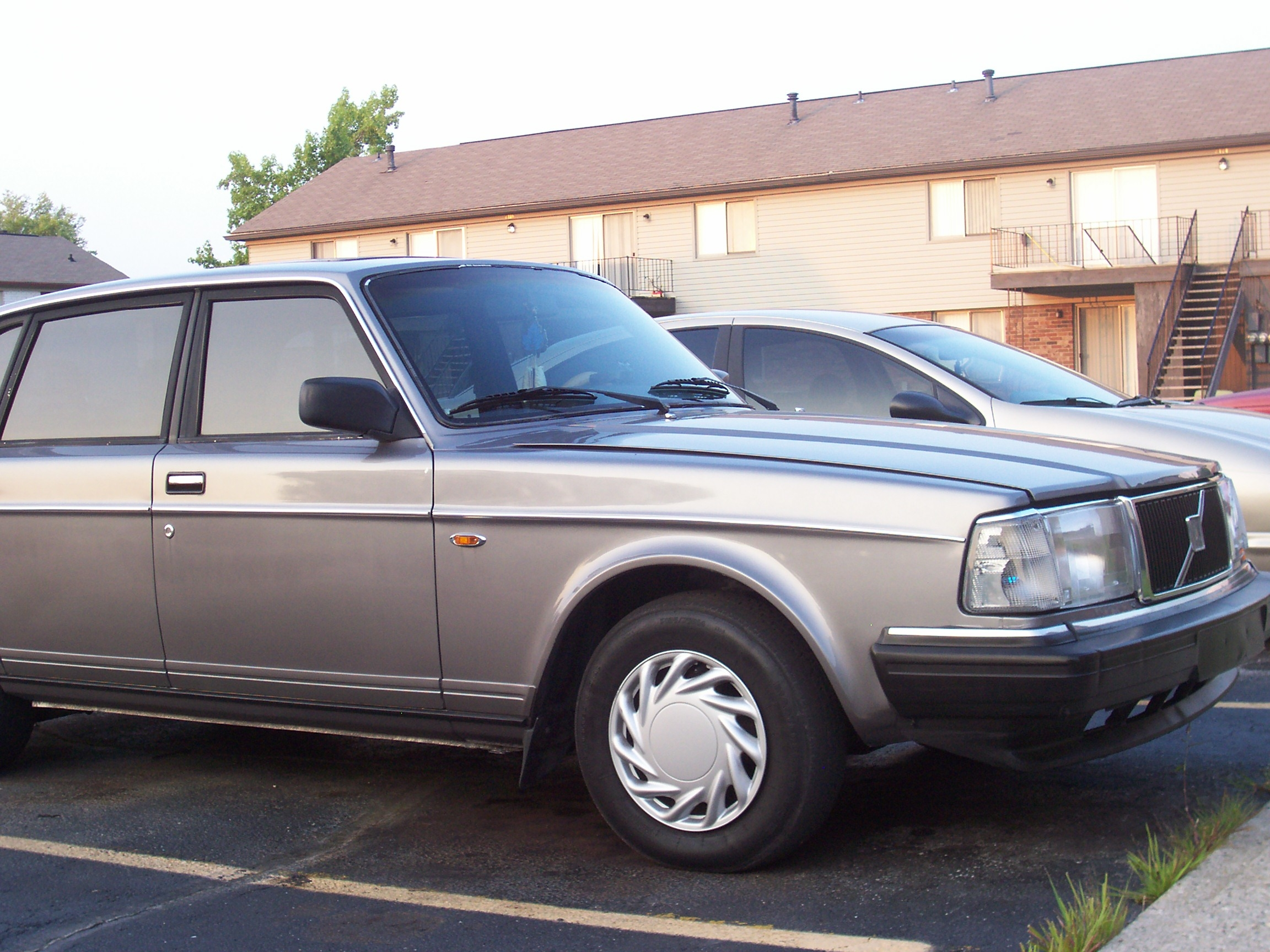 Another sweetsilvervolvo 1991 Volvo 200-Series post... - 11936358