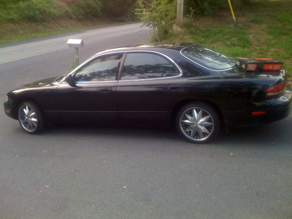 Ronell2008 1994 mazda 929 31435470001_large