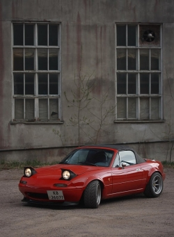 Road-sters 1991 Mazda Miata MX-5