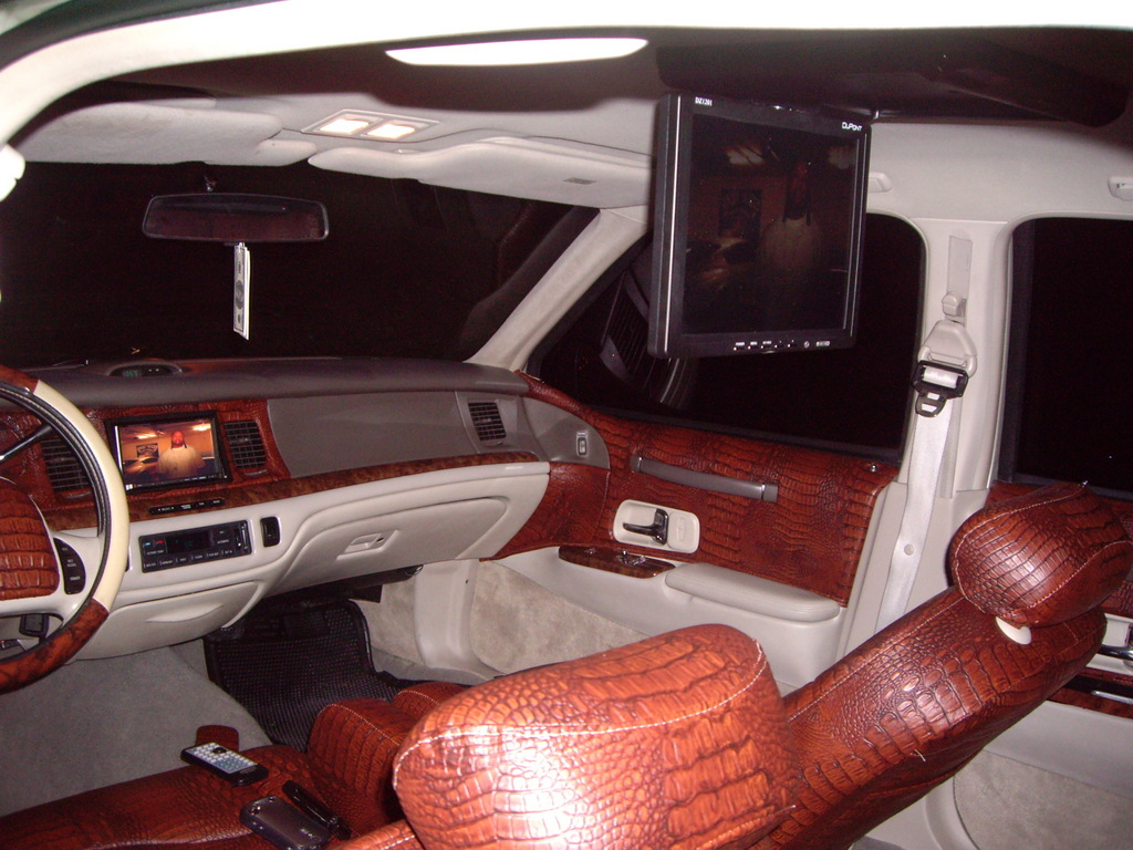 Jonno8323 1997 Lincoln Town Car S Photo Gallery At Cardomain