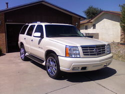 G-Walks 2004 Cadillac Escalade