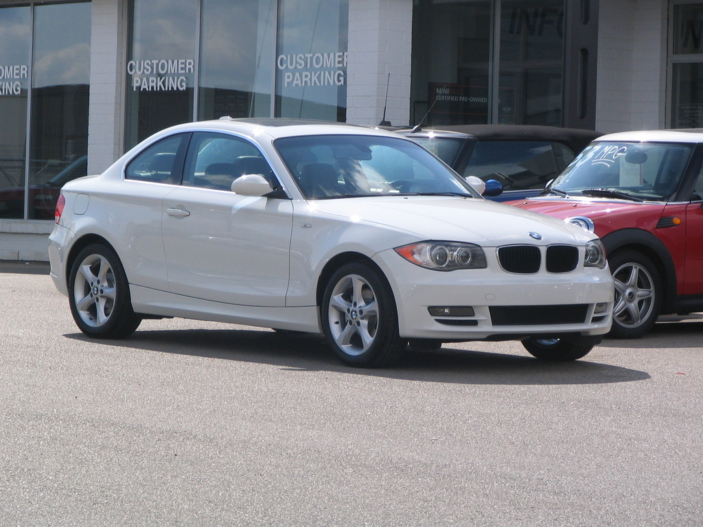 white128 2008 bmw 1 series specs photos modification info at cardomain. Black Bedroom Furniture Sets. Home Design Ideas