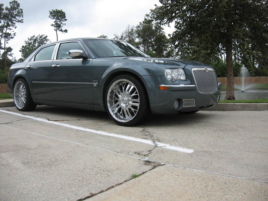 daybh8n 2006 chrysler 300 specs photos modification info. Black Bedroom Furniture Sets. Home Design Ideas