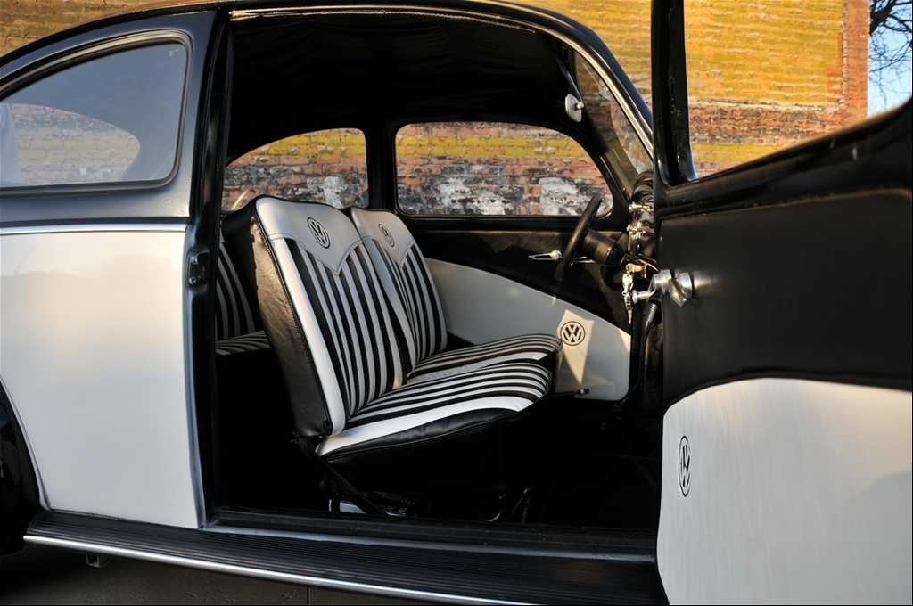 custom vw beetle interior. Custom Interior done by Bob#39;s