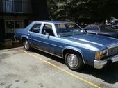 SUAV3Ys 1986 Ford LTD Crown Victoria