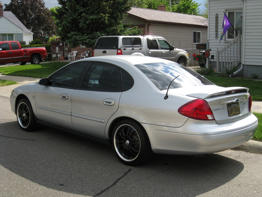 Ford taurus 2000 with rims viewing gallery