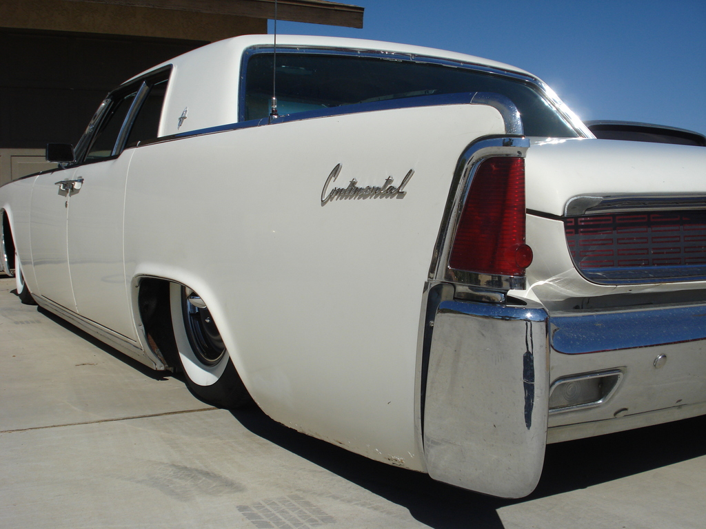 1959 lincoln continental convertible submited images pic2fly - 62 Lincoln Continental Slow N Low White