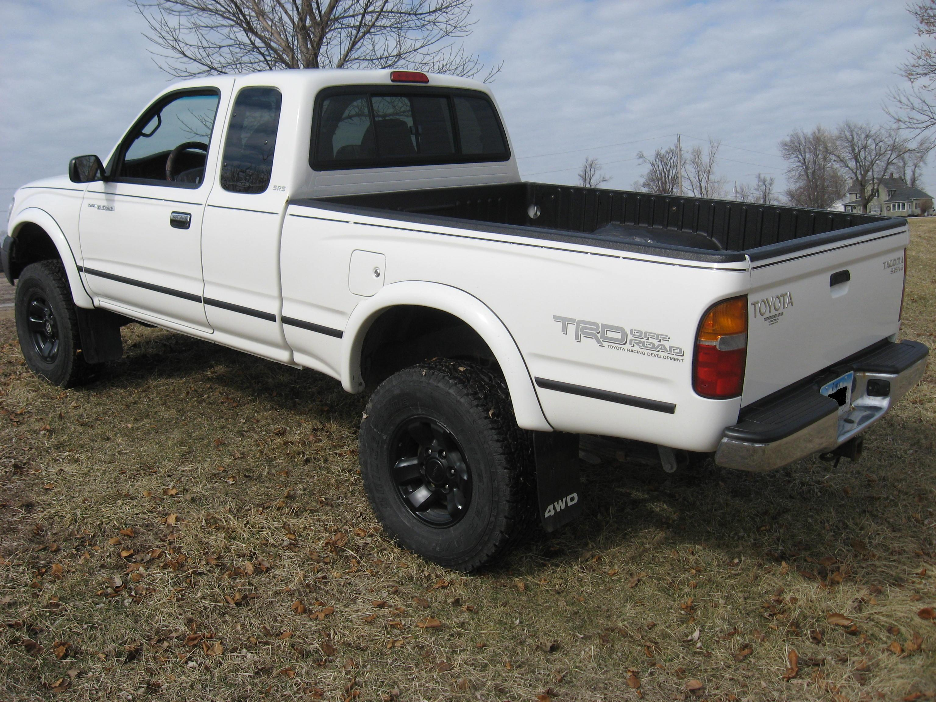 kevbo 99 39 s 1999 toyota tacoma xtra cab in ottumwa ia. Black Bedroom Furniture Sets. Home Design Ideas