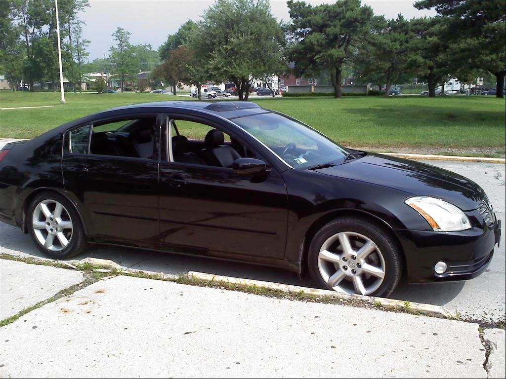 crystalclean 39 s 2005 nissan maxima in chicago il. Black Bedroom Furniture Sets. Home Design Ideas