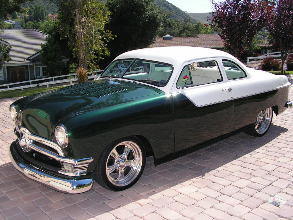 1950 Ford Coupe on custom stereo