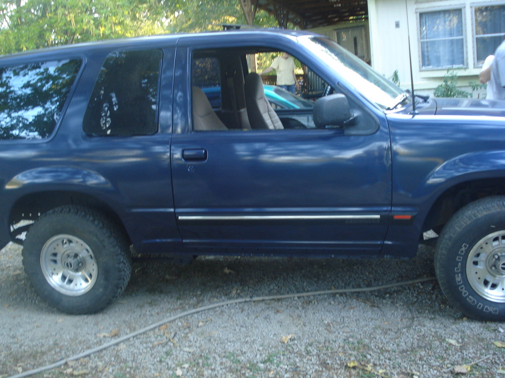 Another Robs-94-ES 1994 Ford Explorer Sport post... - 12030085