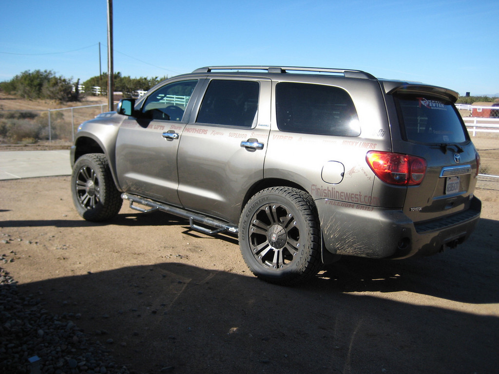 Finishlinewest 2008 Toyota Sequoia 12031047