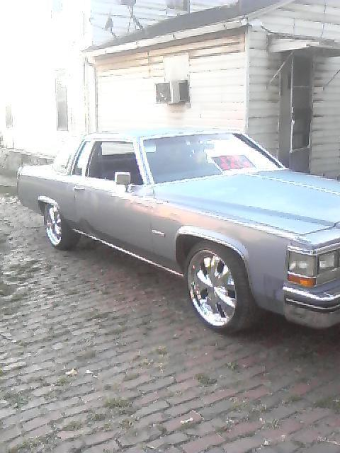 dayo330 1982 Cadillac DeVille