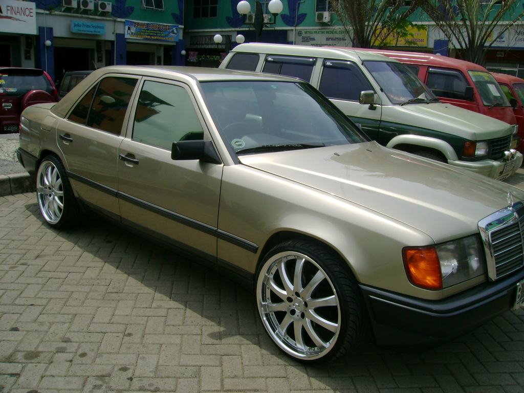 totohendarto 1987 mercedes benz 300e specs photos