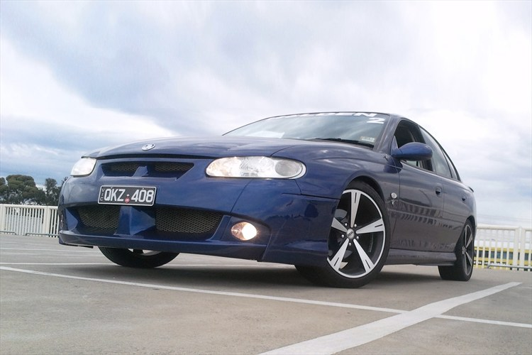 Holden Commodore Vt 2000. a 2000 holden vt commodore