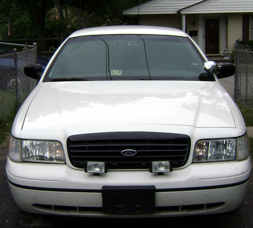 chvyman1 1999 Ford Crown Victoria