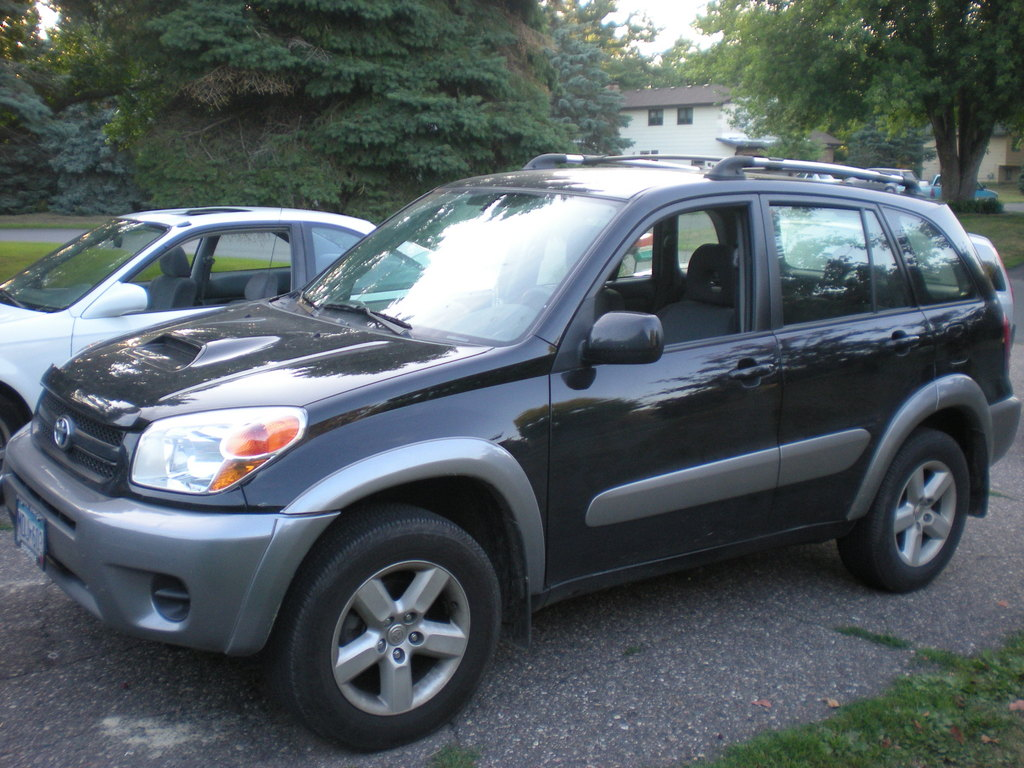 2004 toyota rav4 view all 2004 toyota rav4 at cardomain. Black Bedroom Furniture Sets. Home Design Ideas