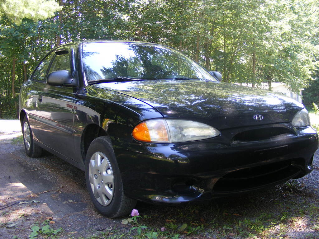 familymanvan 39 s 1998 hyundai accent in beaverlake pa. Black Bedroom Furniture Sets. Home Design Ideas