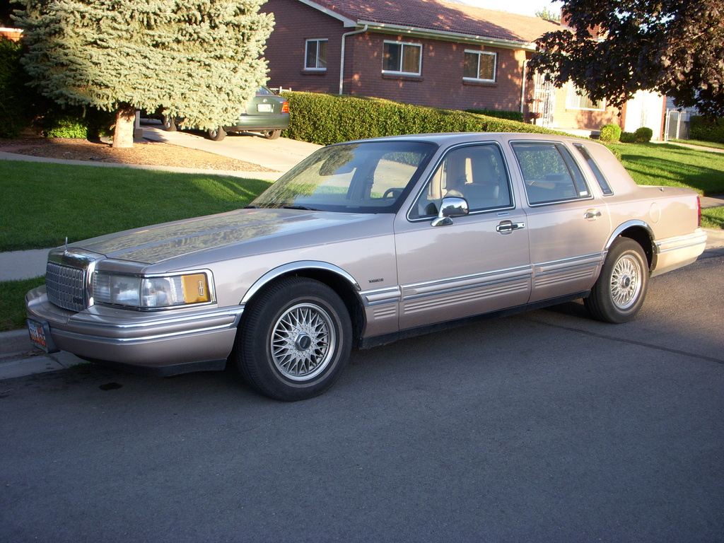 Tobaccula 1993 Lincoln Town Car Specs Photos Modification Info At