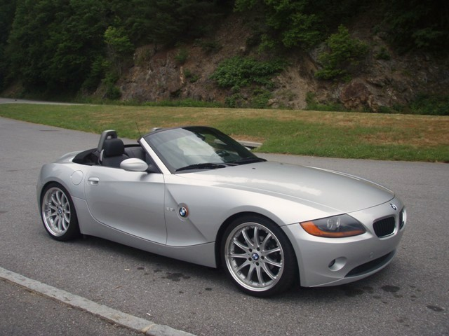 Zerofoo 2003 Bmw Z4 Specs Photos Modification Info At