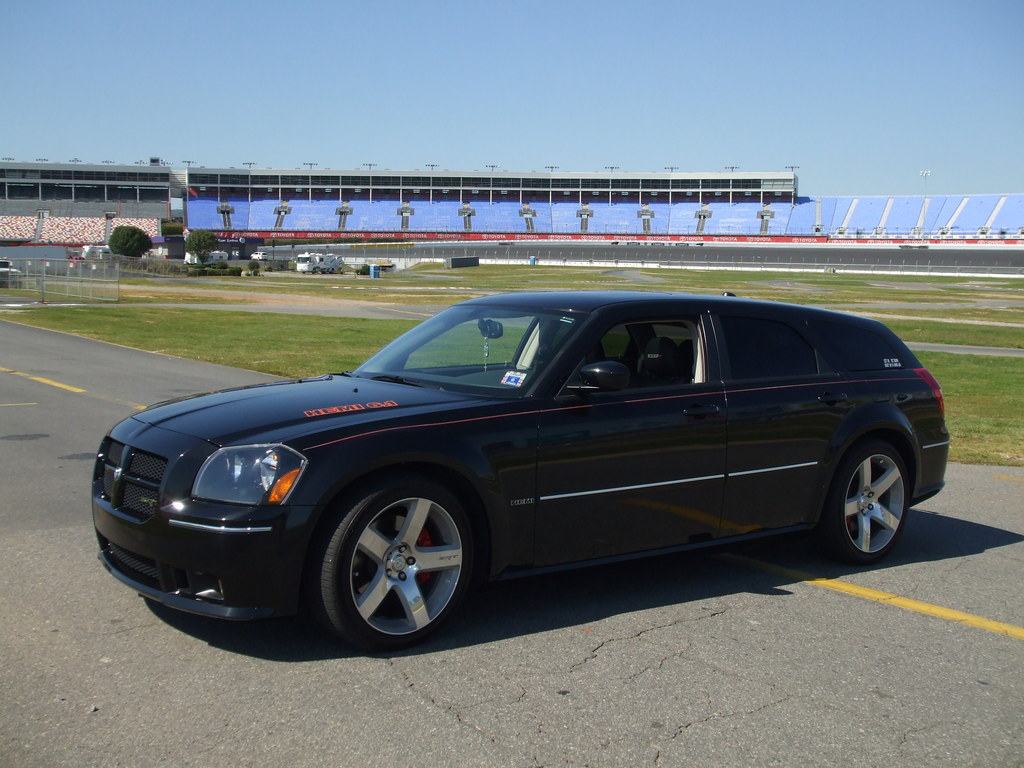 Another notpaid4msrt 2006 Dodge Magnum post... - 13555751