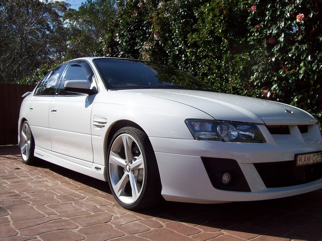 Another kme023 2005 Holden Commodore post... - 12351181