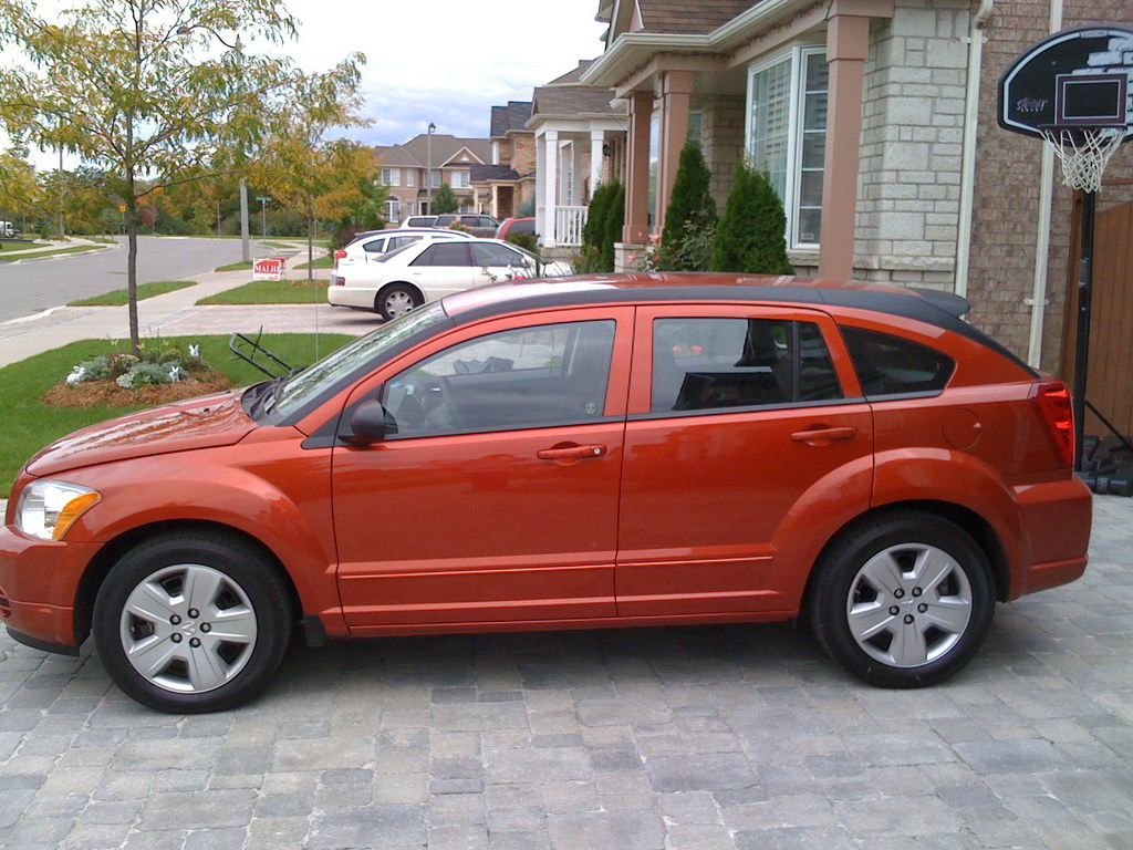 twinsin 39 s 2009 dodge caliber in brampton on. Black Bedroom Furniture Sets. Home Design Ideas