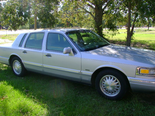Belle01 1997 Lincoln Town Car Specs Photos Modification Info At