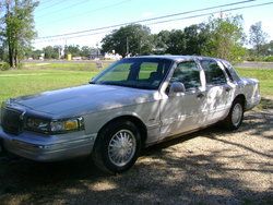 Belle01 1997 Lincoln Town Car