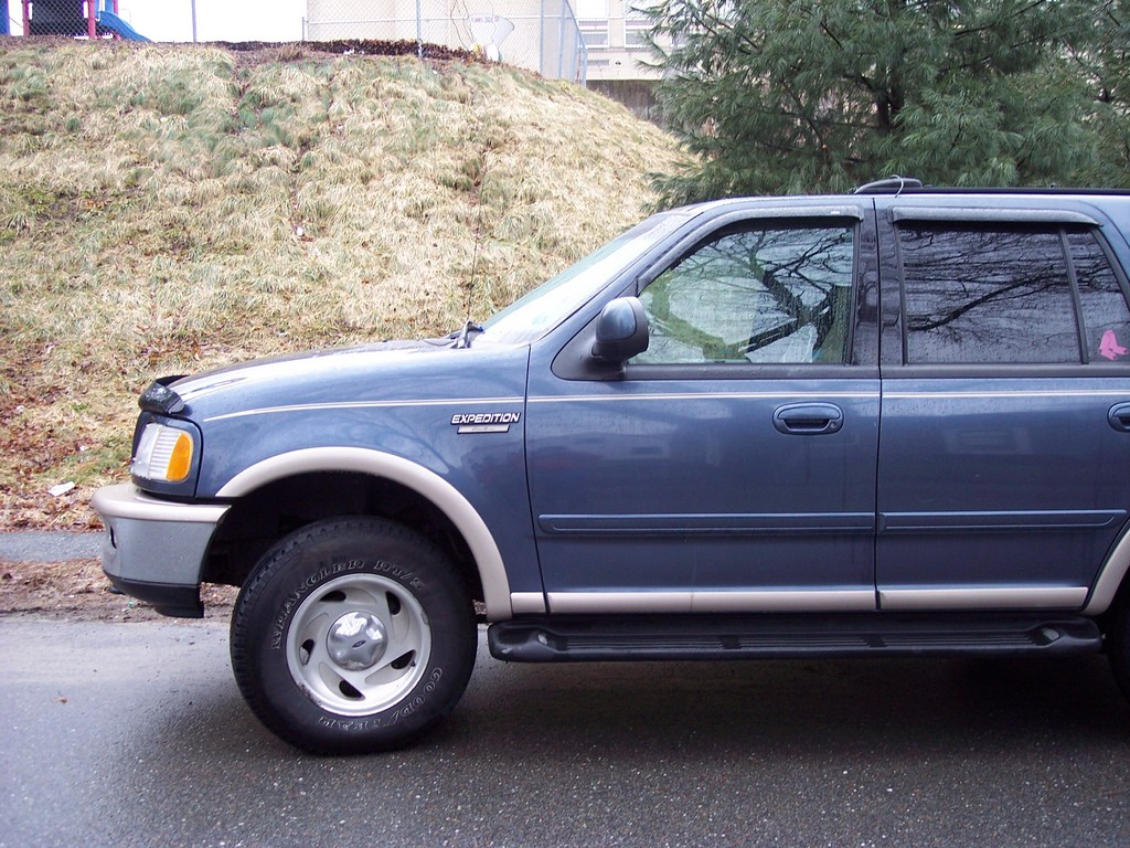 jscally1288 1998 ford expedition 31681000003_large