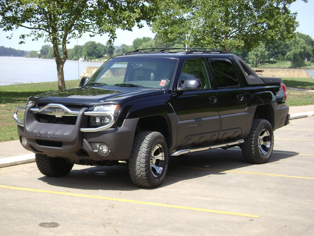 another chevyguy06 2003 chevrolet avalanche post 4173914 by chevyguy06. Black Bedroom Furniture Sets. Home Design Ideas