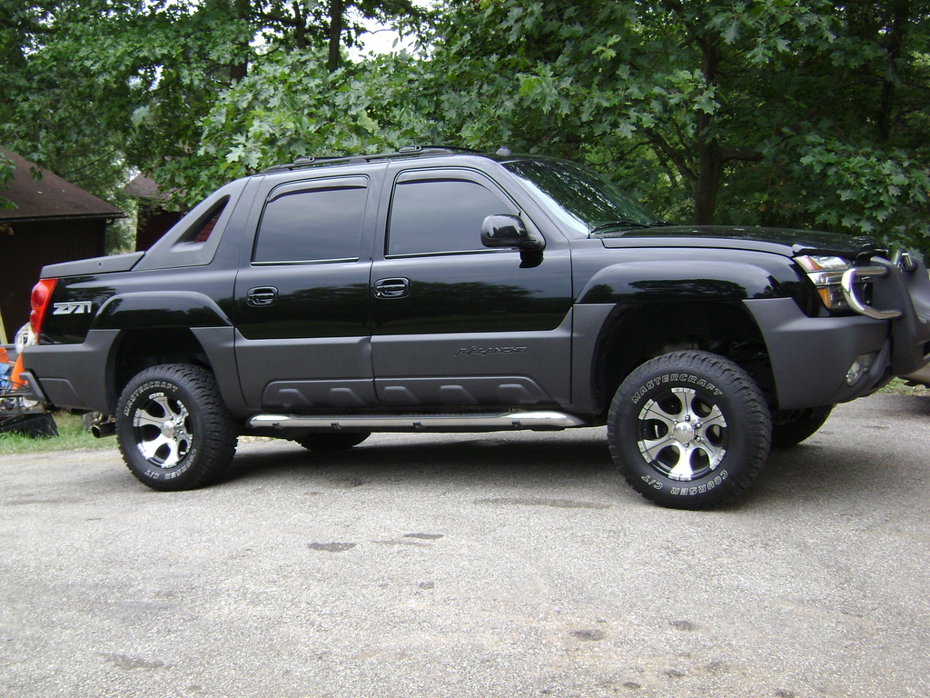 chevyguy06 2003 chevrolet avalanche specs photos modification info at cardomain. Black Bedroom Furniture Sets. Home Design Ideas